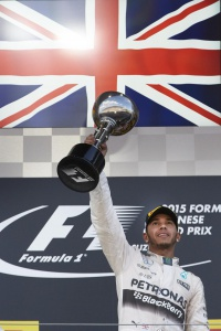 gp japon 2015 mercedes amg photo lemiw hamilton podium