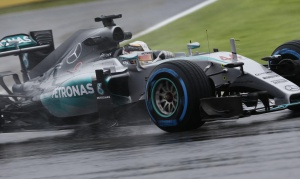 Mercedes AMG pluie Japon