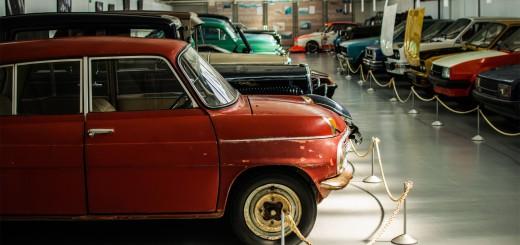 Illustration exposition de voitures aux enchères