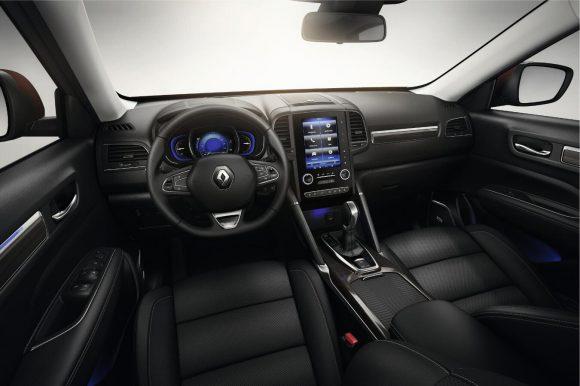 Renault Koleos 2016 cockpit
