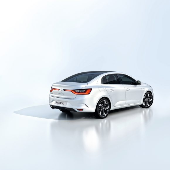 Renault Megane Sedan trois quarts