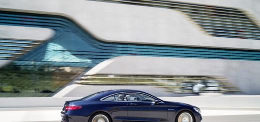 Sur route, la new Mercedes S65 aMG Coupé